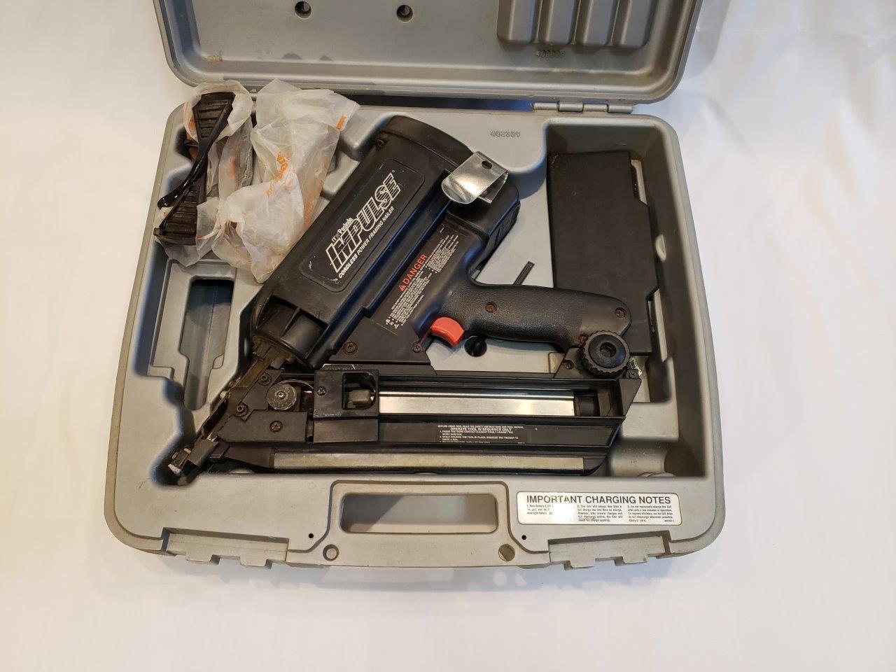ITW Paslode Impulse Model IM325 Framing Nailer, Gun Hard Case, Charger, Eye Protection IM-325