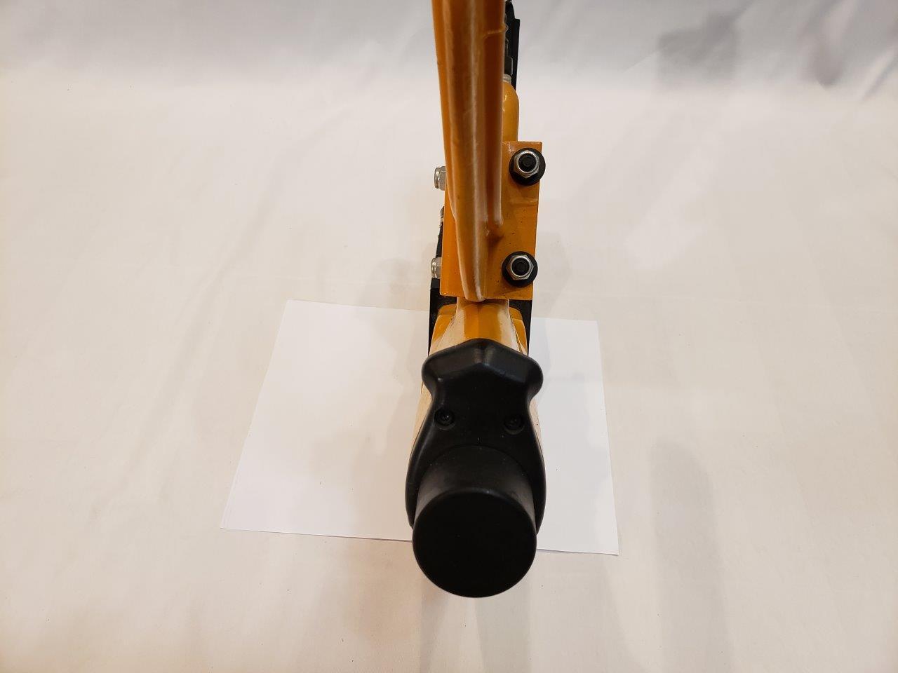 BOSTITCH Flooring Stapler, Pneumatic, 1-1/2-Inch to 2-Inch (MIIIFS) Nail Gun Pneumatic fastener
