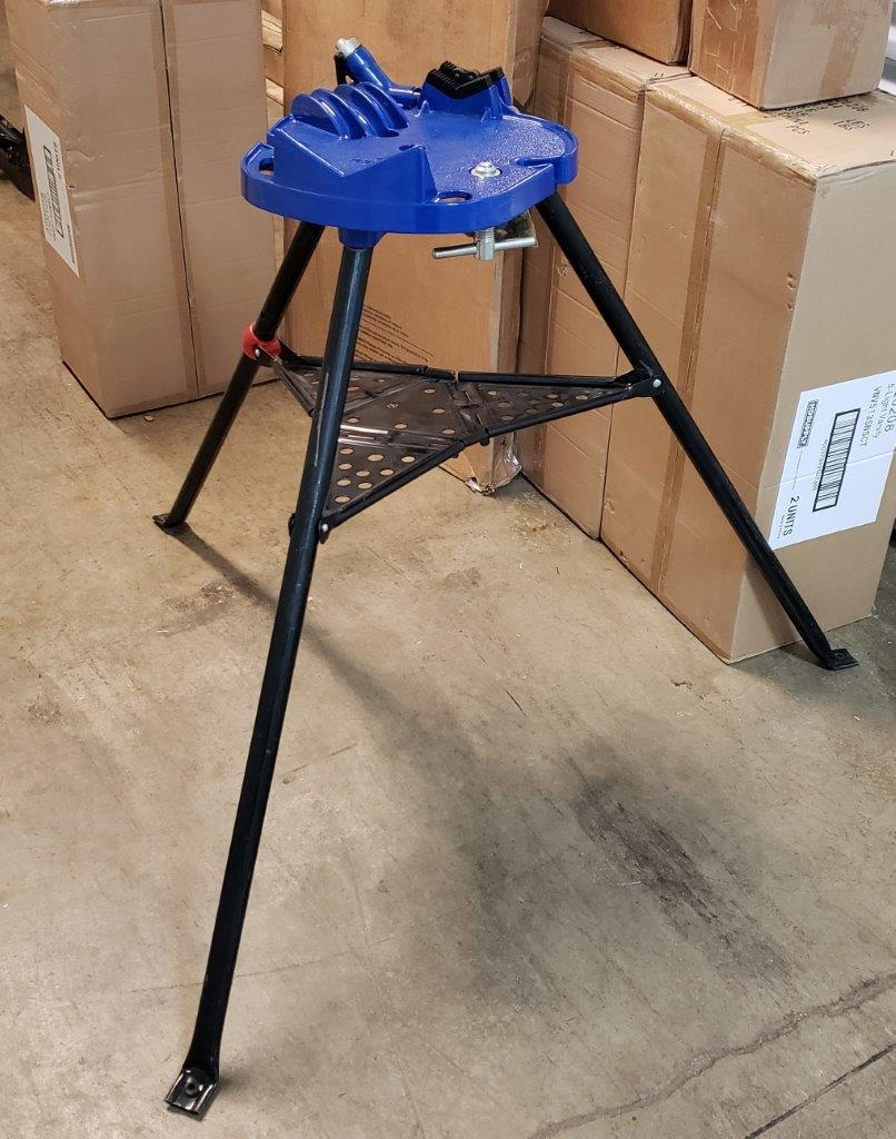 WESTWARD Portable Chain Vise 22XP94, 1/8 to 6 in Pipe Capacity, 35 in Overall Height